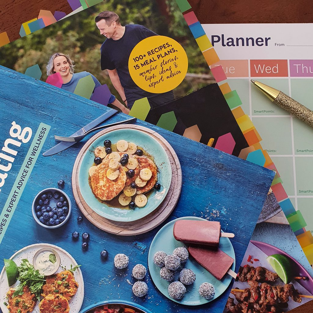menuplan and cookbooks and pen